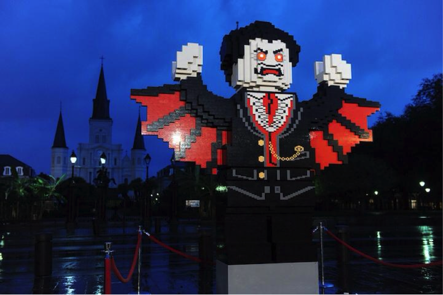Vampire rises from the ground in New Orleans (Technabob)